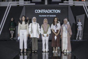 Show Fashion Designer Politeknik STTT Bandung pada Gelaran Muslim Fashion Festival 2021